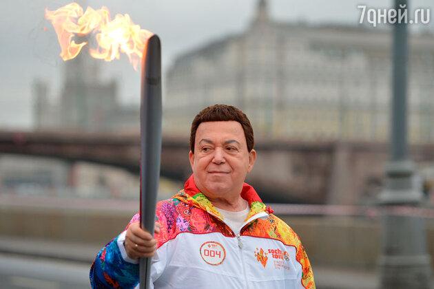 Иосиф Кобзон на эстафете Олимпийского огня