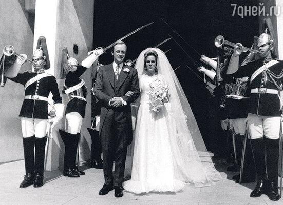 Дав согласие стать женой Эндрю Паркера-Боулза, Камилла рассчитывала наоткрытый брак