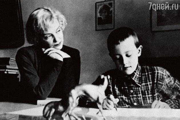 Марина Ладынина с сыном Андреем