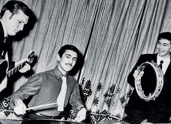 Юрий Башмет (за ударной установкой) со своей рок-группой был знаменит во Львове