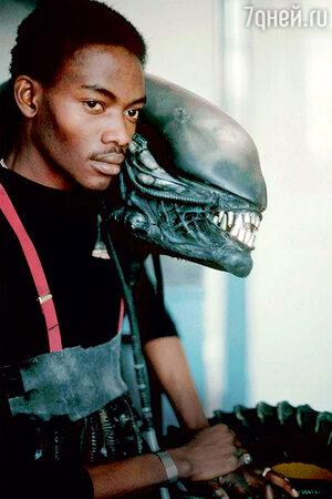 Пришельца Чужого сыграл студент из Нигерии
