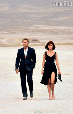 ...неудивительно, что там проходили съемки последнего фильма бондианы — «Квант милосердия». Актер Дэниел Крэйг и Ольга Куриленко, сыгравшая подругу агента 007