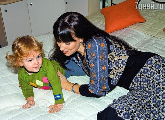 Нонна с сыном Ильей