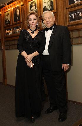 Олег Табаков и Марина Зудина вместе уже 17 лет — и дома, и на работе