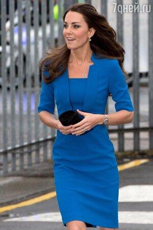 Кейт Миддлтон синее платье