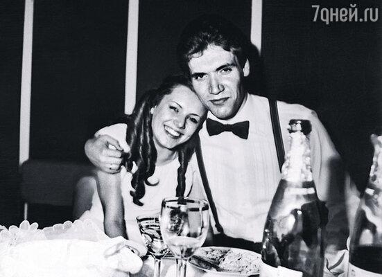 Предложение Алексея пожениться приняла не раздумывая, потому что к моменту «сватовства» успела в него влюбиться