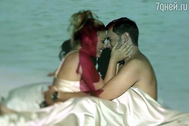 Ирина Дубцова и Леонид Руденко в клипе на песню «Вспоминать»