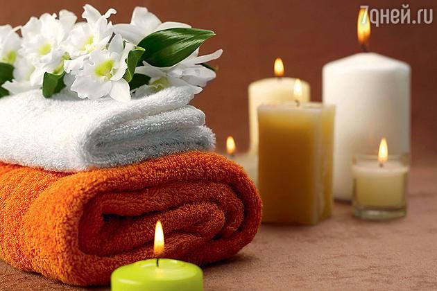 Для обряда на семейное счастье потребуются свечи и полотенце