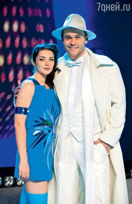 По версии НТВ, именно МаринаАлександрова должна подарить МаксимуАверину детей