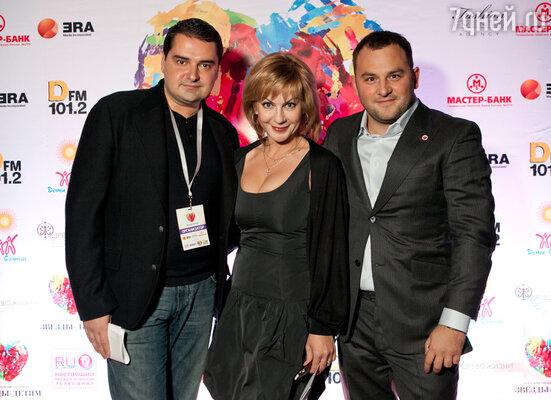 В Москве на площадке клуба «Arena Moscow» состоялся благотворительный концерт в поддержку проекта «Звезды Детям», который ставит перед собой цель популяризировать благотворительность в нашей стране