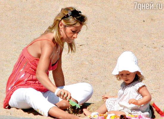 Вторая жена Натали Бельмондо с дочкой Стеллой. 2005 г.