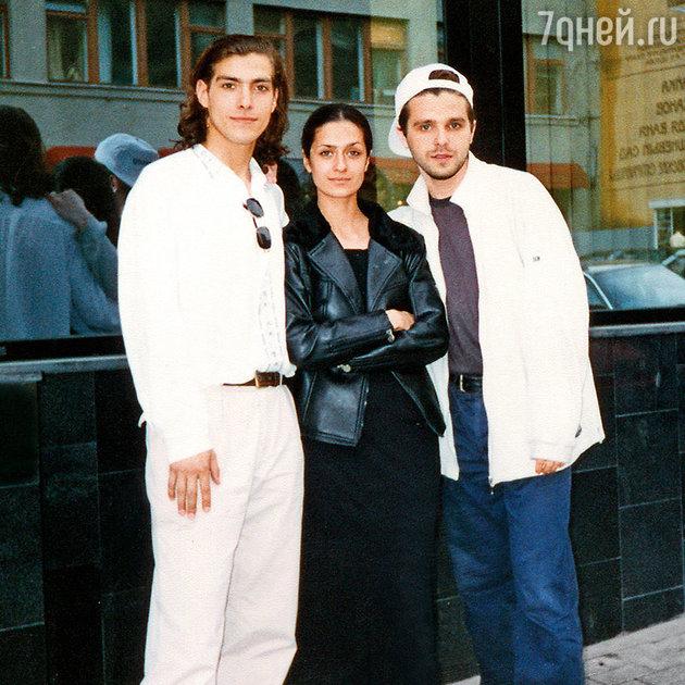 Александр Чижевский, Виктория Исакова и Сергей Новиков