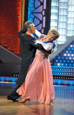 С партнером Олегом Вечкасовым в проекте «Танцы со звездами» на канале «Россия»