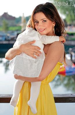 Ани Лорак с дочерью Софьей