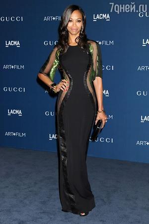 Зои Салдана в платье и с аксессуарами от Gucci, LACMA 2013