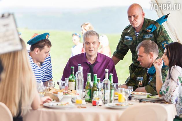 Сергей Светлаков на съемках комедии «Горько! 2»