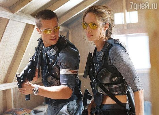Брэд и Анджелина до сих пор нехотят признавать очевидный факт: свободная к моменту ихсовместных съемок в фильме «Мистер и миссис Смит» Джоли увела Питта у законной жены. 2005 год