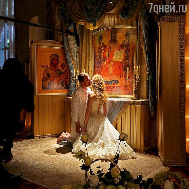 Луиза Вольфрам и Ларс Айдингер  в  фильма Алексея Учителя «Матильда»