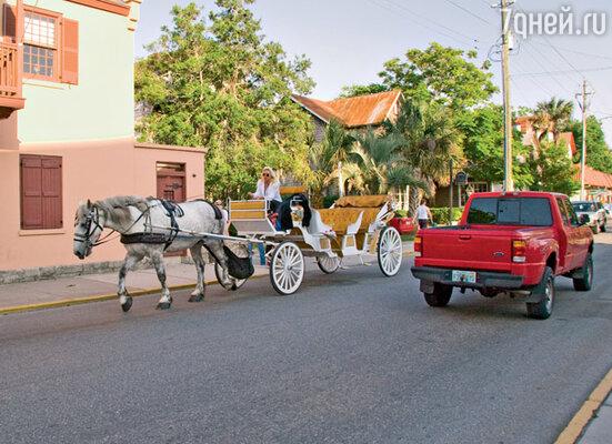 Часть прогулки по Сент-Огастину туристам предлагается совершить в экипаже