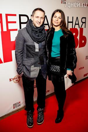 Оскар Кучера с женой Юлией на премьере фильма «Нереальная любовь»