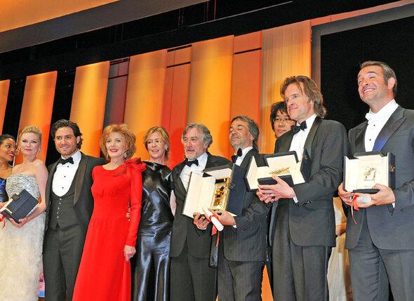 Победители и члены жюри 64-го Международного Каннского кинофестиваля