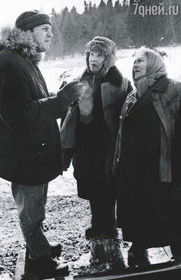 Нонна была прекрасной актрисой и отличной бабой... Собачились мы с ней, правда, страшно. В основном  по творческим вопросам. Съемки клипа «На шпалах».  С режиссером Д. Евстигнеевым