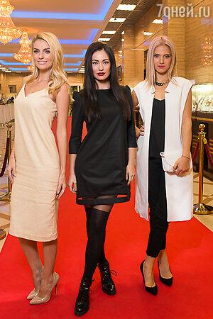 Саша Савельева, Александра Попова, Ирина Тонева