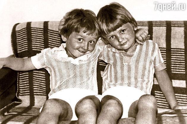 Аскольд (слева) и Эдгард  Запашные