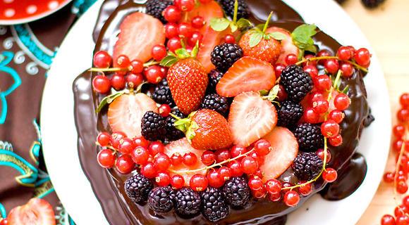 Шоколадный торт «Для влюбленных»: рецепт праздничного десерта