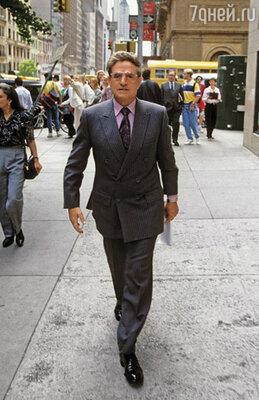 На работе Сорос появлялся в лучшем случае раз-два в неделю, зато регулярно ездил на бега или просто бродил по Манхэттену