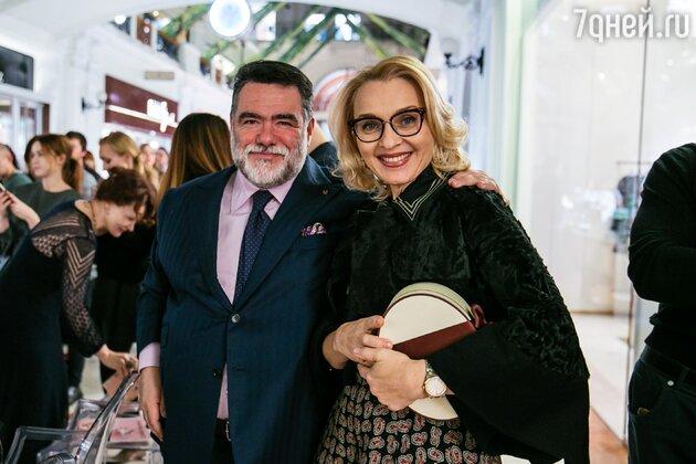 Михаил Куснирович и Екатерина Моисеева на показе осенне-зимней коллекции Alberta Ferretti
