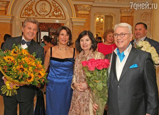 Юбиляр со Львом и Ириной Лещенко