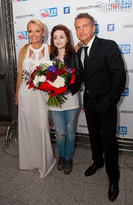 Анжелика Варум и Леонид Агутин с дочерью Лизой