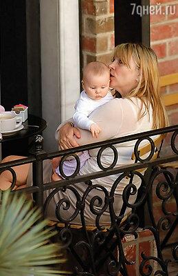 Через два года после рождения сына Дашила у Хелен появилась малютка Роми