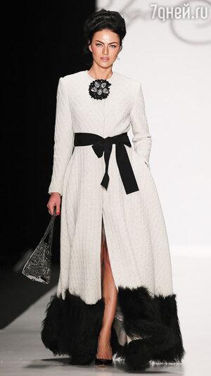 Модель показа Игоря Гуляева в рамках Mercedes-Benz Fashion Week
