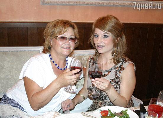 Лена с мамой Зоей Григорьевной