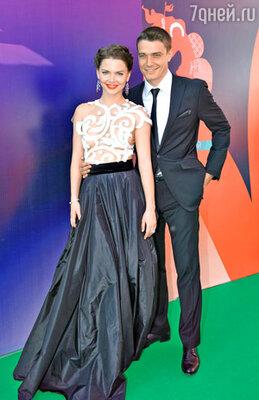 Актриса Елизавета Боярская (платье Julia Yanina ) с мужем актером Максимом Матвеевым