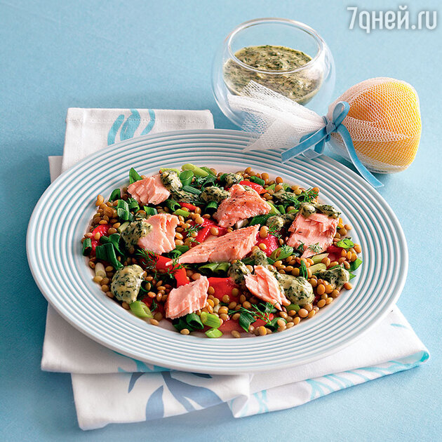 Салат из чечевицы с семгой