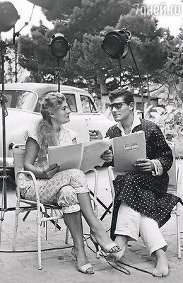 Жан-Даниэль Лорье с матерью в редкий момент отдыха, когда поблизости нет фотоаппарата