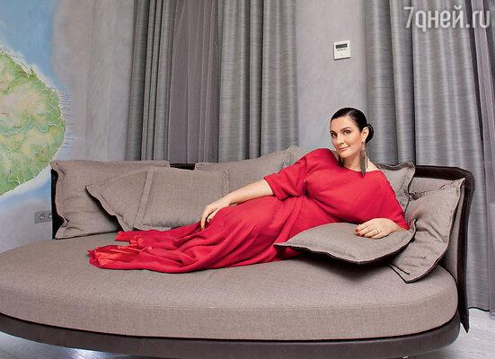 Елена Ваенга  пригласила корреспондентов «7Д» в своюновую квартиру в центре Санкт-Петербурга