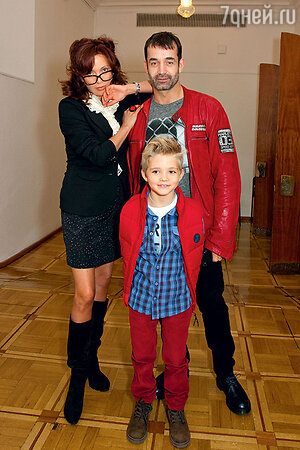 Ольга Дроздова и Дмитрий Певцов с сыном
