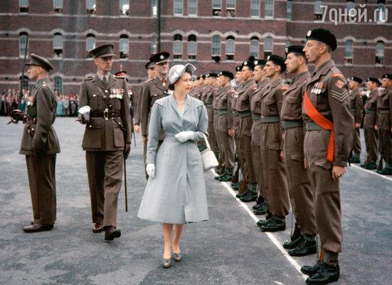 Елизавета II ровно 60 лет назад, вскоре после вступления на престол