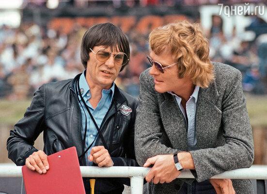Берни со старинным приятелем Максом Мосли (справа), которого он собирался провести в президенты Международной автомобильной федерации
