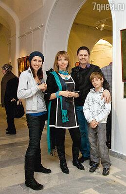 Екатерина Рождественская, Денис Рожков, его жена Ирина и сын Иван