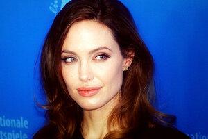 Поклонников Анджелины Джоли довело до слез видео с ее дочкой