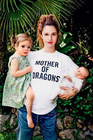 Дрю Бэрримор с дочерьми