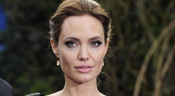 Вокруг приемной дочки Анджелины Джоли назревает скандал