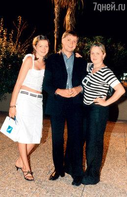 С сестрами Надей и Аней. 2002 г.