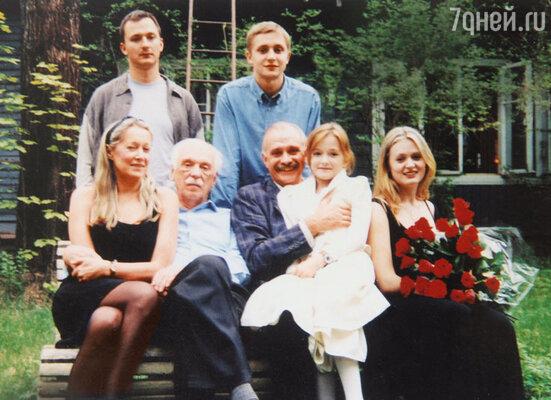 «Семья всегда была и остается у меня на первом месте. Я хорошо запомнила слова Натальи Петровны, мамы Никиты: «В семье главное — смотреть в одну сторону»
