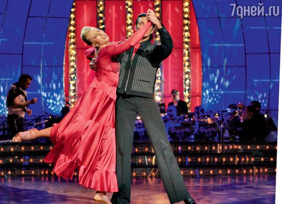 На проекте «Танцы созвездами» с партнером Александром Литвиненко. 2006 г.